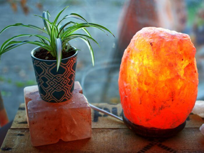 11 Benefits of Himalayan Salt Lamps