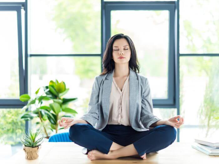 How To Meditate: A Beginners Step-By-Step Guide